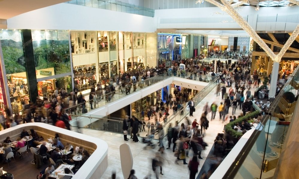 UK retail sales grew by year, fell by month | Smart Currency Business