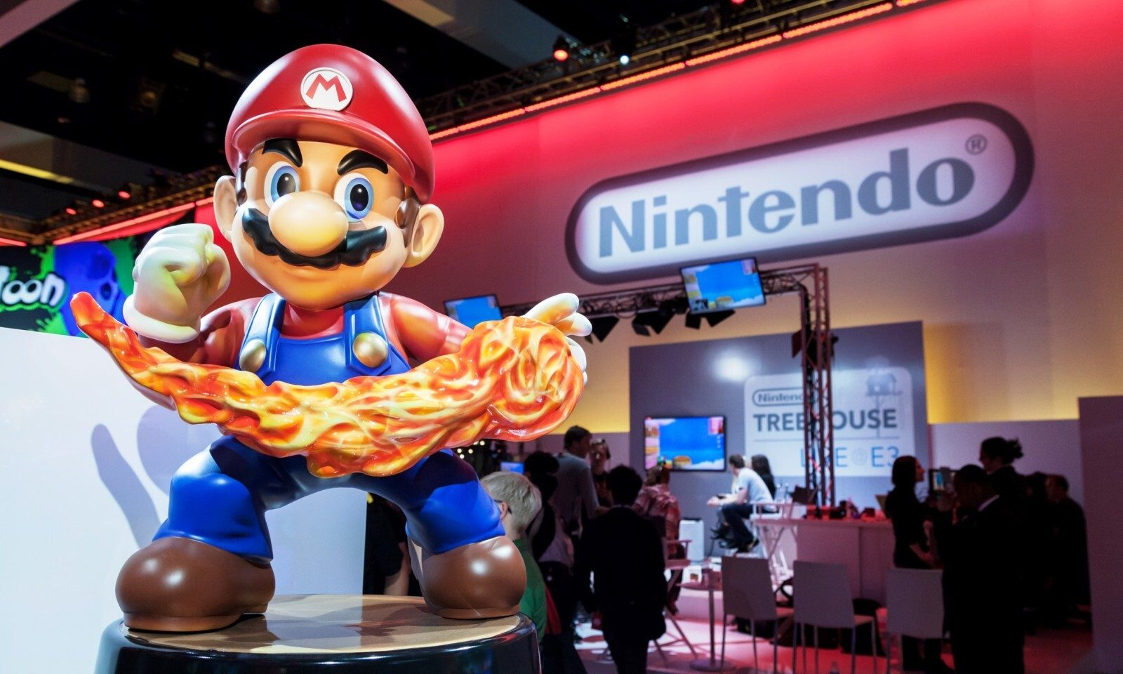 Nintendo profits halved by currency fluctuations