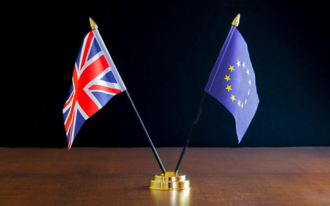 Pound weaker on trade talk worries