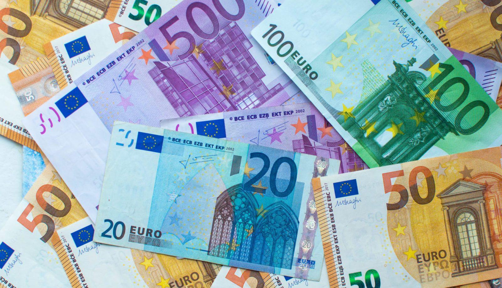 Euro positive