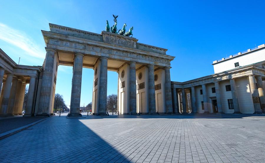Brandenburg Gate (Sybille Reuter / Shutterstock.com)