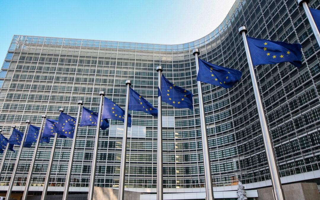 Pound weaker ahead of EU summit